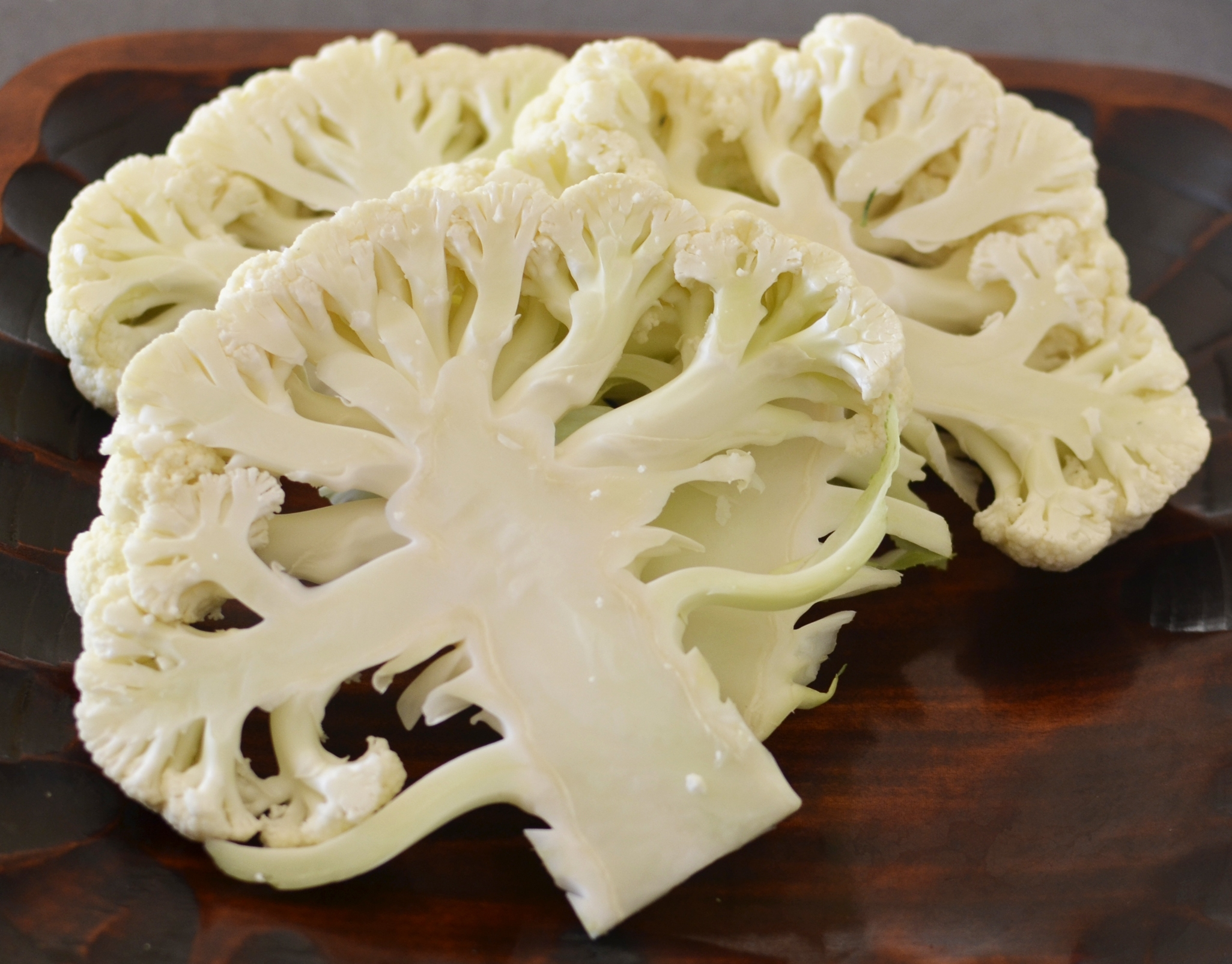 cauliflower-sliced
